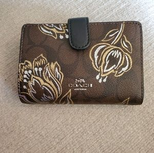 NEW! COACH wallet!!